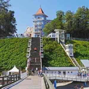 Sellin - Freitreppe zur Seebrücke